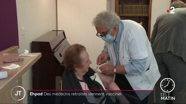 Covid-19: quand des médecins retraités viennent vacciner dans les Ehpad