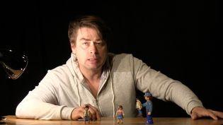 Seul en scène, Bertrand Barré incarne un Hercule entre ombre et lumière  (Chrystel Chabert)