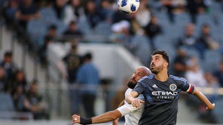 David Villa du New York City FC (à d.), le 13 mai 2018 à Los Angeles, Californie. (KATHARINE LOTZE / GETTY IMAGES NORTH AMERICA)