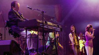 Sergio Mendes et Brasil 2014 sur la scène de Jazz à Vienne  (Jean-François Lixon)