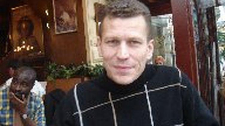 Cyril Fievet dans un café parisien, 19 janvier 2006