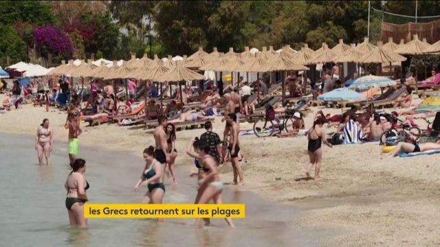 Les Grecs de retour sur les plages