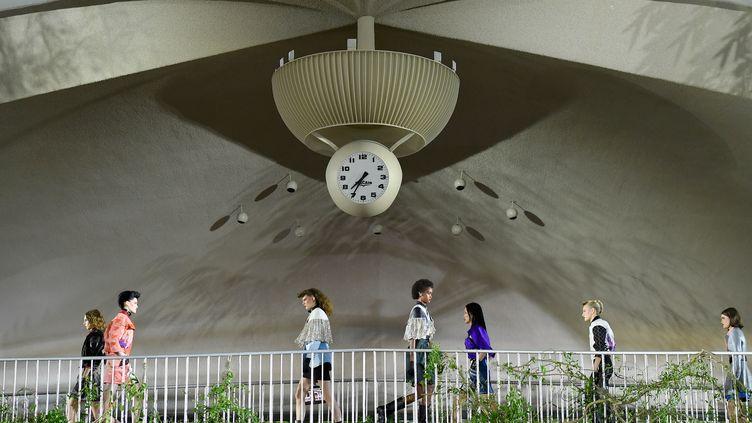 Le défilé croisière de Louis Vuitton s'est déroulé dans le mythique terminal TWA de JFK, à New York. (ANGELA WEISS / AFP)
