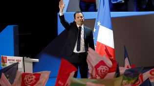 Benoît Hamon en meeting à Paris, dimanche 19 mars. (FRANCOIS GUILLOT / AFP)