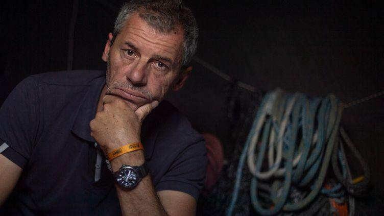 Le skippeur de Merci, Sébastien Destremeau, au départ du Vendée Globe 2021 (LOIC VENANCE / AFP)