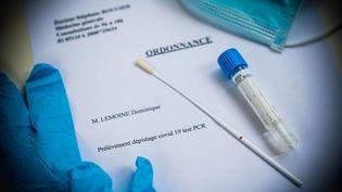 Une ordonnance pour la réalisation d'un test de dépistage PCR du Covid-19. (VOISIN / PHANIE / AFP)