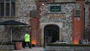 Le pub fréquenté le 4 mars 2018 par l'ex-espion russe Sergueï Skripal et sa fille, empoisonnéspar unagent innervant, à Salisbury (Royaume-Uni). (DANIEL LEAL-OLIVAS / AFP)