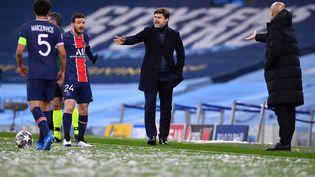 Mauricio Pochettino a vécu une première mi-temps difficile face à Manchester City. (PAUL ELLIS / AFP)