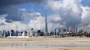 Des nuages au dessus de Dubaï. Photo d'illustration. (KARIM SAHIB / AFP)
