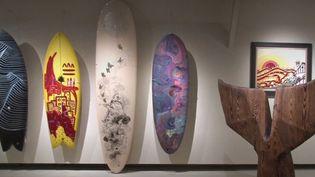 Le musée d'Aquitaine de Bordeaux (Gironde) consacre une exposition à la culture surf. Le journaliste Nicolas Lemarignier évoque également les autres actualités culturelles sur le plateau de France 2. (FRANCE 2)