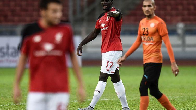 Mamadou Sakho lors d'une séance d'entraînement de Liverpool en préparation de la saison 2015-2016. (MANAN VATSYAYANA / AFP)