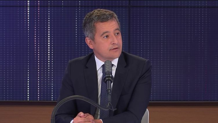 """Gérald Darmanin, le ministre de l'Intérieur, était l'invité du """"8h30 franceinfo"""", mardi 24 août 2021. (FRANCEINFO / RADIOFRANCE)"""