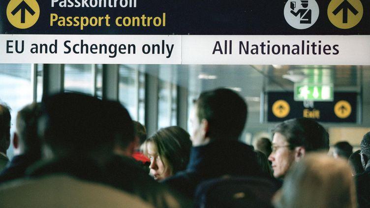 A l'aéroport Arlanda de Stockholm (Suède), en mars 2001. (HENRIK MONTGOMERY / SCANPIX / AFP)
