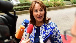 Séolène Royal annonce des nouvelles mesures en faveur des transports électriques. (EMMANUEL DUNAND / AFP)