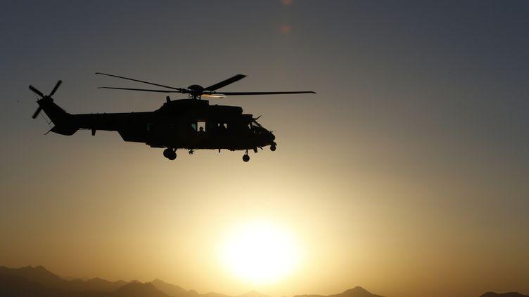 Un soldat français a été tué, le 7 août 2012, dans la province de Kapisa (nord-est de l'Afghanistan). Un autre, blessé, est hors de danger. (ALEXANDER KLEIN / AFP)
