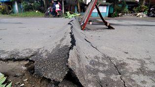 Le séisme aux Philippines a fait plus de 100 blessés selon un premier bilan provisoire. (ERWIN MASCARINAS / AFP)
