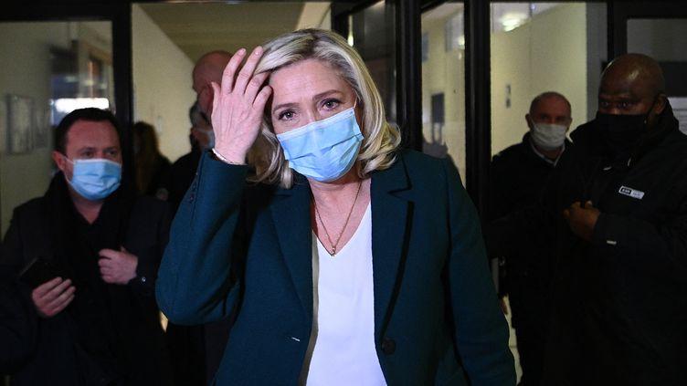 La présidente du Rassemblement national Marine Le Pen, le 10 février 2021 à Nanterre (Hauts-de-Seine). (CHRISTOPHE ARCHAMBAULT / AFP)