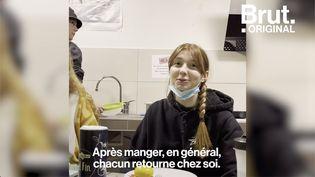 VIDEO. Dans cette résidence universitaire à Nice, les étudiants tentent de surmonter les difficultés liées au Covid-19 (BRUT)