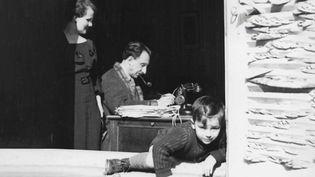 Seconde Guerre mondiale : un fils raconte l'histoire de son père, résistant et déporté (FRANCE 2)