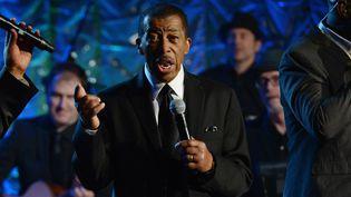 Ben E. King donne un concert lors des Songwriters Hall of Fame à New York (Etats-Unis), le 14 juin 2012. (LARRY BUSACCA / GETTY IMAGES NORTH AMERICA / AFP)