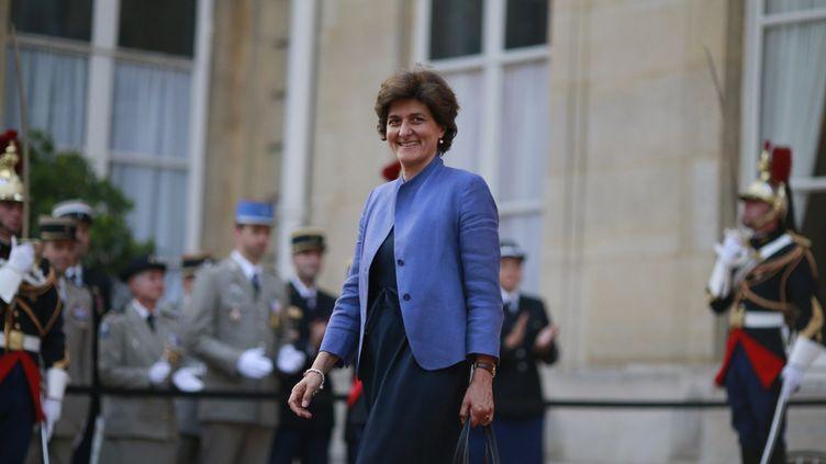 L'ancienneministre des ArméesSylvie Goulard quitte l'hôtel de Briennele 21 juin 2017 à Paris. (BENJAMIN CREMEL / AFP)