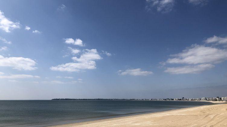 La plage de La Baule rouvre mercredi 13 mai à 8 heures. (ANNE PATINEC / RADIO FRANCE)