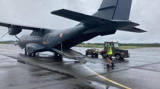 Les services de réanimation sont encore saturés en Guyane, des patients guyanais évacués vers la Martinique, le 19 mai 2021. (GUYANE 1ERE / J.HELGOUALCH)