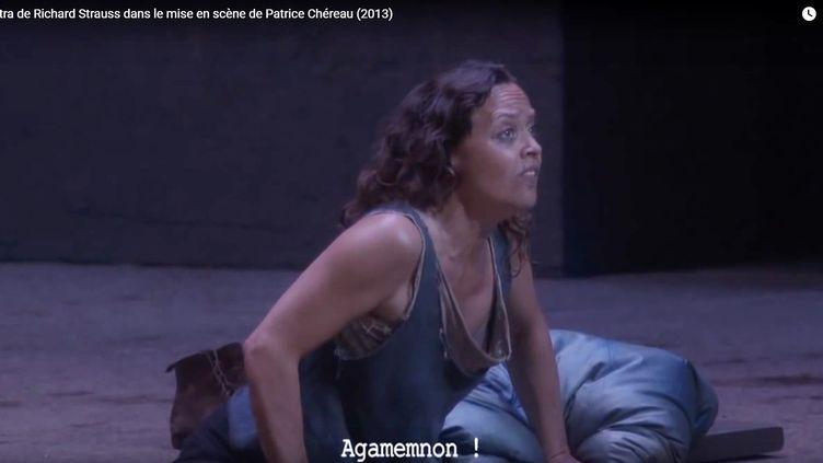 """La tragédie """"Phèdre"""" mise en scène par Patrice Chéreau. (CAPTURE D'ÉCRAN YouTube)"""