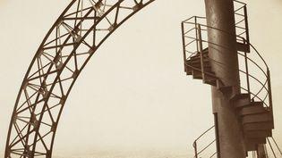 Un tronçon de l'escalier hélicoïdalde la Tour Eiffel similaire à celui mis en vente parArtcurial, à Paris, le 25 novembre 2013  (Patrice Schmidt / MUSEE D'ORSAY / RMN-Grand Palais)