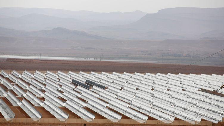 Vue de la centrale solaire de Noor II, près de Ouarzazate au Maroc, le 4 novembre 2016. L'électricité servira en partie à faire tourner une usine de dessalement d'eau de mer à Agadir. (YOUSSEF BOUDLAL / X02771)