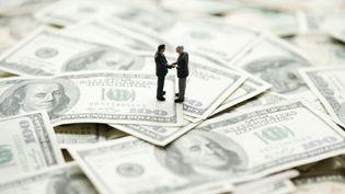 """211 000 """"ultra-riches"""" détiennent aujourd'hui 13% de la richesse mondiale, selon un rapport de la banque suisse UBS et de l'agence de conseil Wealth-X, publié le 20 novembre 2014. (ODILON DIMIER / ALTOPRESS / AFP)"""