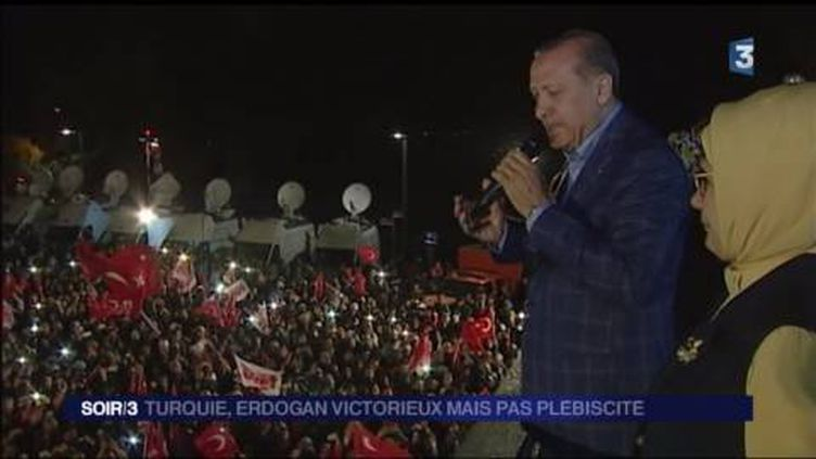 Le président Erdogan a revendiqué la victoire au référendum. (FRANCE 3)