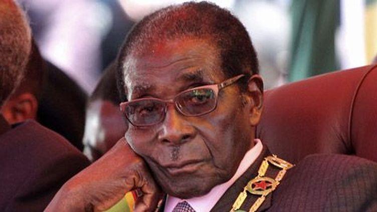 Le président du Zimbabwe, Robert Mugabe, à Harare le 18-4-2012. (Reuters - Stringer)