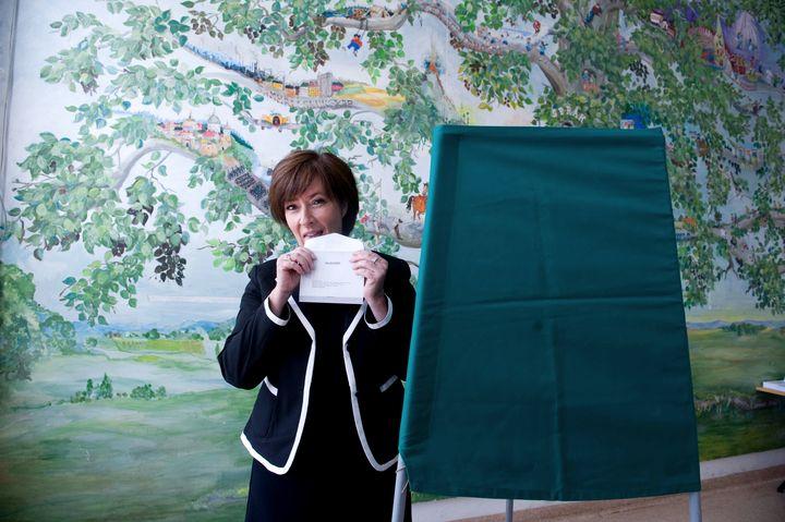 Mona Sahlin, ancienne ministre suédoise emportée par un scandale, lors des élections européennes, le 7 juin 2009 à Nacka, dans la banlieue de Stockholm (Suède). (BERTIL ERICSON / SCANPIX SWEDEN / AFP)
