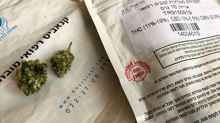Le cannabis est expédié sous enveloppe au domicile de Nicolas. (ALICE FROUSSARD)