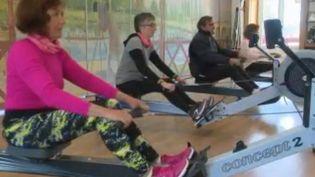 Une étude révèle que les plus de 60 ans sont plus de 1 sur 2 à faire du sport au moins une fois par semaine. (FRANCE 2)
