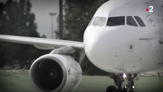 Carburant : la France réclame une taxe carbone européenne pour les avions et les bateaux