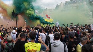 Les manifestants anti-pass sanitaire réunis à Paris le 11 septembre 2021. (ESTELLE RUIZ / HANS LUCAS / AFP)