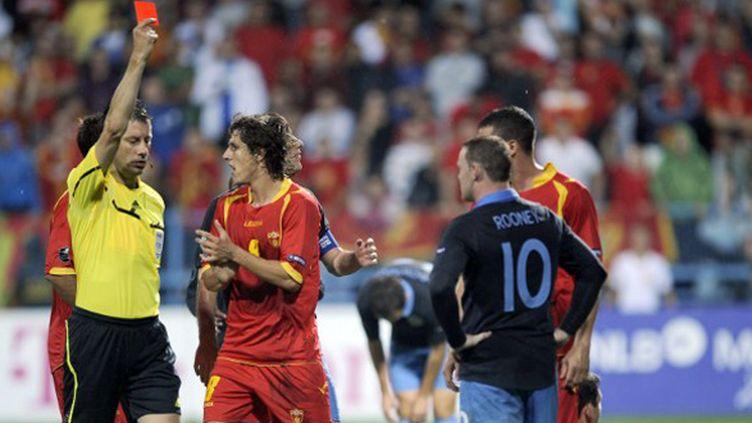 Wayne Rooney exclu lors du match de qualifications de l'Euro-2012, à Podgorica, contre le Monténégro en octobre 2011