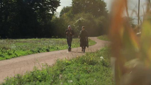"""""""Cela prend aux tripes"""", témoigne un agriculteur agressé"""