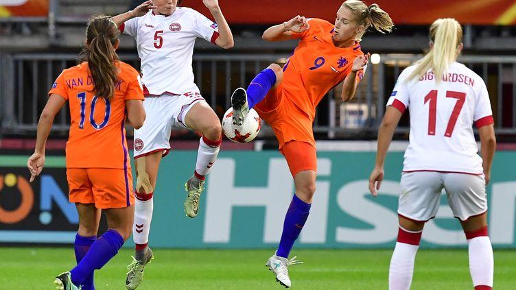 Les Pays-Bas ont dominé le Danemark (1-0) en phase de poule de l'Euro féminin. (TOBIAS SCHWARZ / AFP)