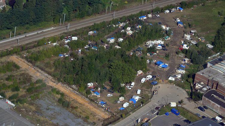 Le camp rom de Croix (Nord), photographié le 27 septembre 2013. (MAXPPP)