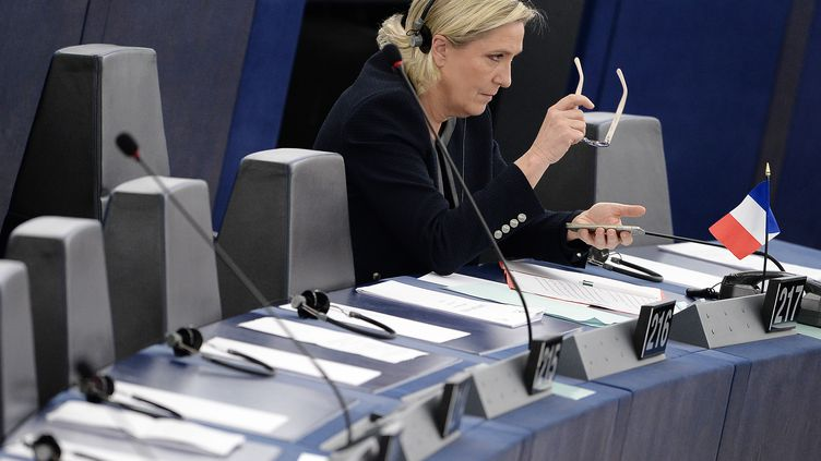 La présidente du Front national, Marine Le Pen, le 26 octobre 2016 au Parlement européen, à Strasbourg. (FREDERICK FLORIN / AFP)