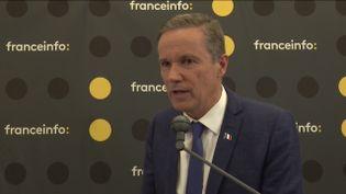 Nicolas Dupont-Aignan, candidat Debout la France aux élections européennes, lors de la matinée de débats organisée par franceinfo à la Maison de la Radio, jeudi 23 mai. (FRANCEINFO / RADIO FRANCE)