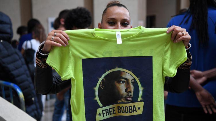 A l'ouverture du procès des rappeurs Booba et Kaaris après leur rixe à l'aéroport d'Orly, le 6septembre 2018 au palais de justice de Créteil (Val-de-Marne). (ALAIN JOCARD / AFP)
