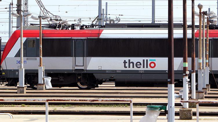 Un train Thello, en mars 2012 àVilleneuve-Saint-Georges (Val-de-Marne). (KENZO TRIBOUILLARD / AFP)