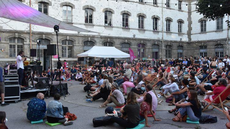 Concert en plein air à Paris dans le cadre du festival Paris l'été en toute liberté, le 30 juillet 2020 (ELISE VINIACOURT / PHOTOPQR / LE PARISIEN / MAXPPP)