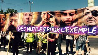 Plusieurs dizaines de manifestants se sont réunis le 2 juin 2019place de la Bastille à l'appel du collectif des Mutilés pour l'exemple. (VALENTINE PONSY/FRANCE 3 PARIS-ILE-DE-FRANCE)