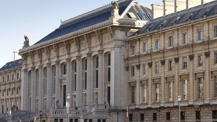 (Cinq personnes de l'entourage de l'auteur de l'attaque de Nice ont été mises en examen à Paris et écrouées © SIPA / GELEBART)