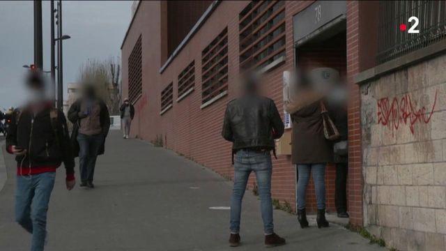 Pôle Emploi : une journaliste d'Envoyé Spécial découvre des chômeurs sans conseillers